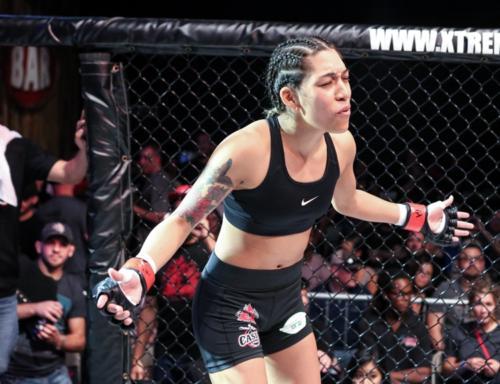 XKOA 11 - Fight 6 - Valerie Soto vs Jackelyn Walker-4